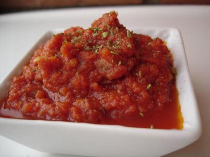 Salsa de Tomate con Oregano.