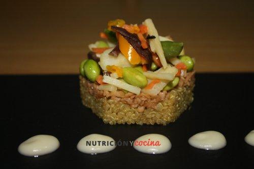 Salteado de quinoa y soja texturizada