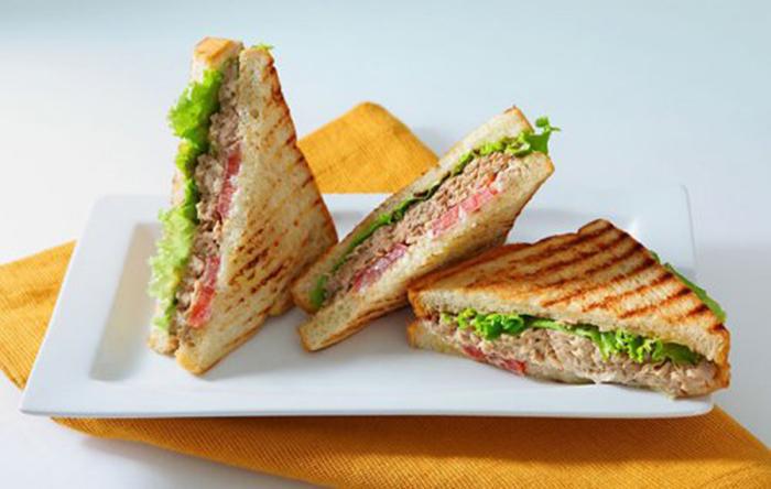 Sándwich Caliente de Atún