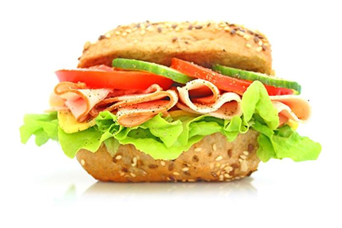 Sándwich de Pavo en Pan de Hamburguesa