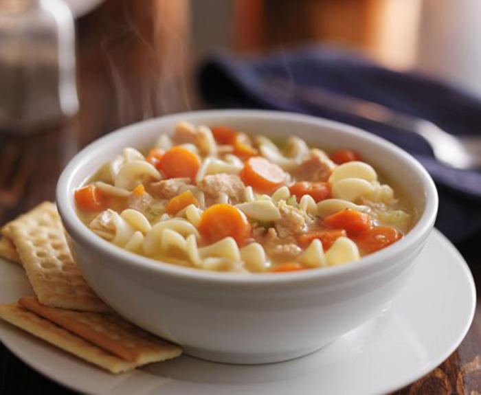Sopa de Pollo y Pasta con Verduras