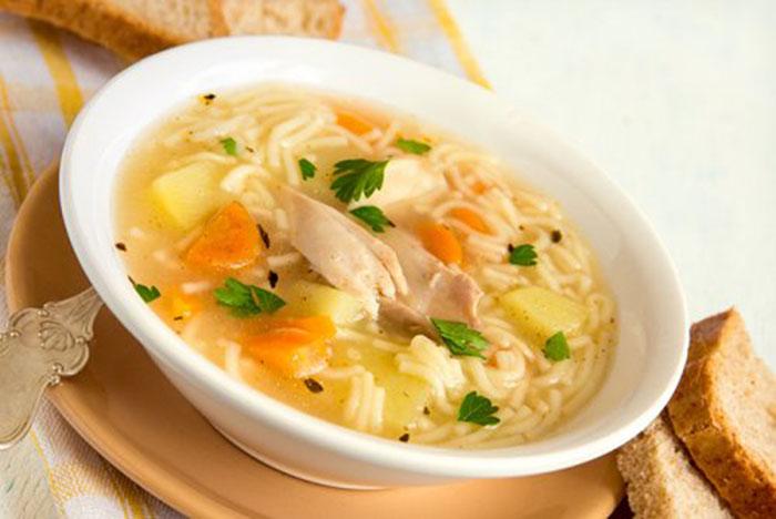 Sopa  Fácil de Pollo con Verduras