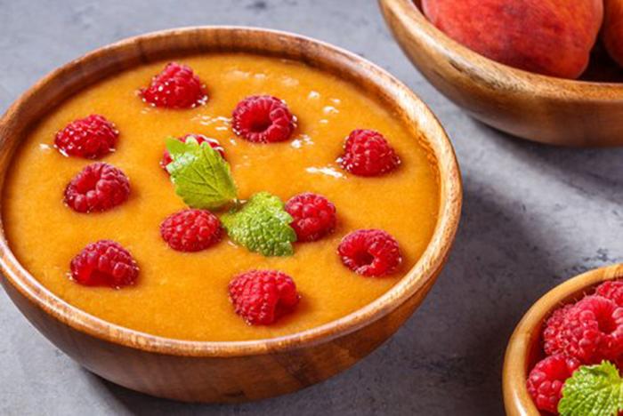 Sopa Fría de Melocotón con Frambuesas