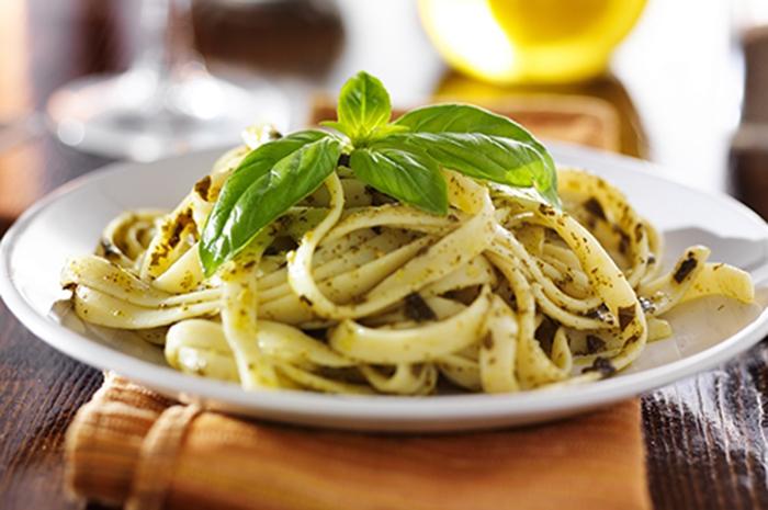 Tallarines con Salsa Pesto Casera
