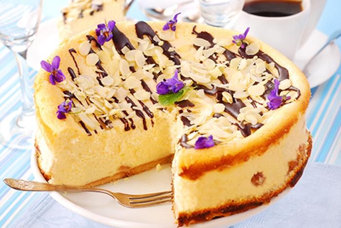Tarta de Queso Con Almendras y Chocolate