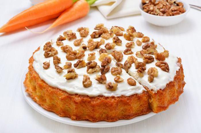 Tarta de Zanahoria con Glaseado y Nueces
