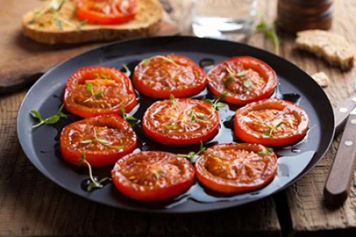 Tomates Asados a las Finas Hierbas