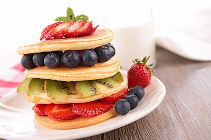 Torre de Tortitas con Fruta