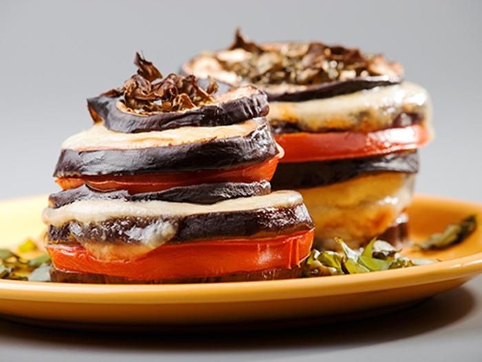 Torres de Berenjena, Mozzarella y Tomates