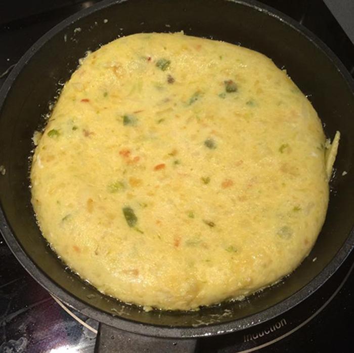 Tortilla de Cebolla y Pimientos
