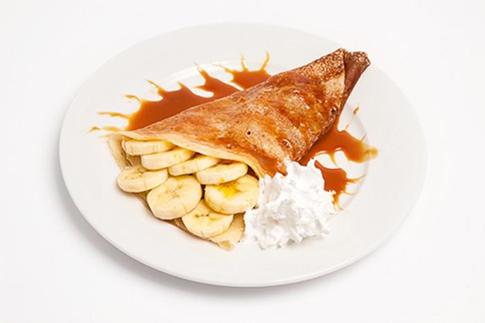 Tortitas con Plátano, Nata y Caramelo