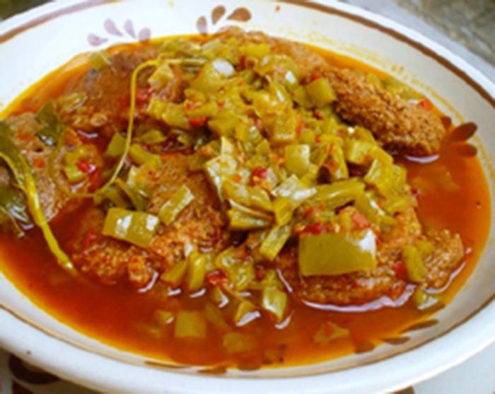 Tortitas de Camaron con Nopales.