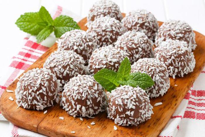 Trufas de Chocolate con Coco Rallado
