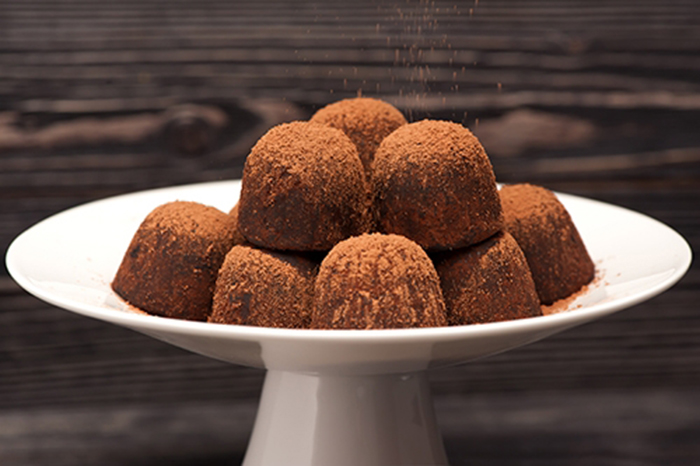 Trufas de Chocolate Puro y Con Leche.