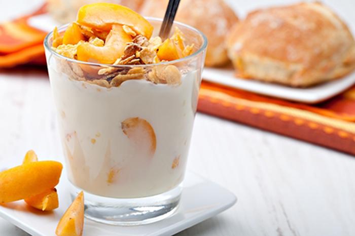 Yogur con Muesli y Albaricoque