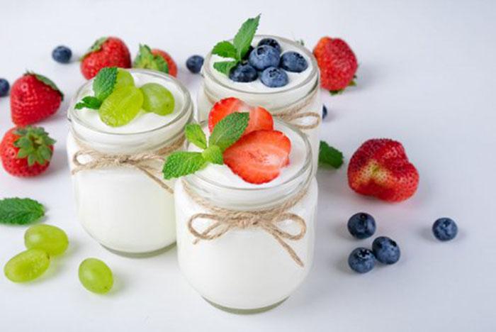 Yogur de Coco y Frutas